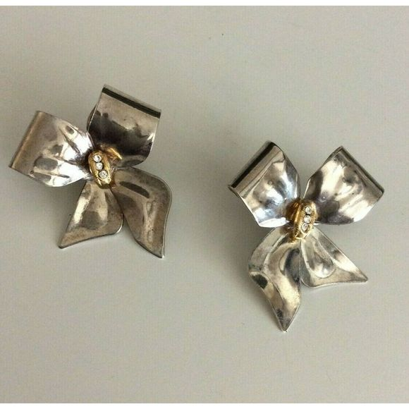 Vintage Tara Silver Bow Ribbon Pierced Earrings